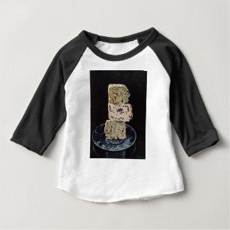 De Stapel van de Kaas van het Stilton Baby T Shirts