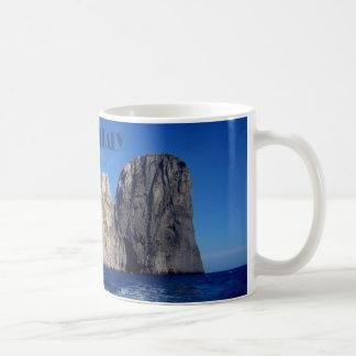De stapels van Faraglioni, Eiland van Capri - Koffiemok
