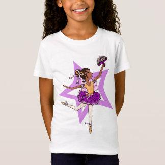 De ster van de ballerina in roze met zwarte t shirt