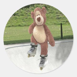 De Stickers van de Teddybeer van Rollerblading