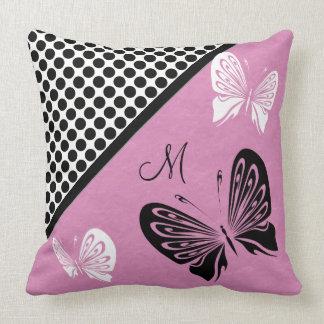 De Stip van de vlinder op Roze Monogram Sierkussen