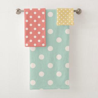 De Stippen van de pastelkleur doorboren Geel Blauw Bad Handdoek