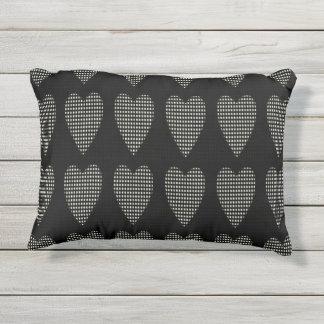 De Stoel & More_Hearts van OUTDOOR-Pillows_Rocking Buitenkussen