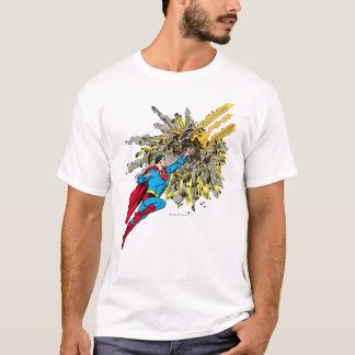 De superman houdt een meteoor tegen t shirt