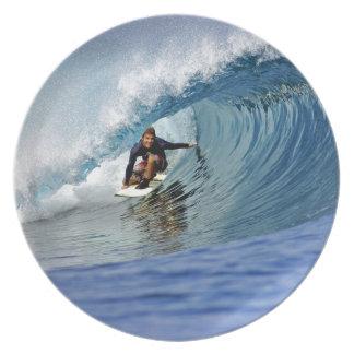 De surfende blauwe ertsader van het golf tropische diner bord