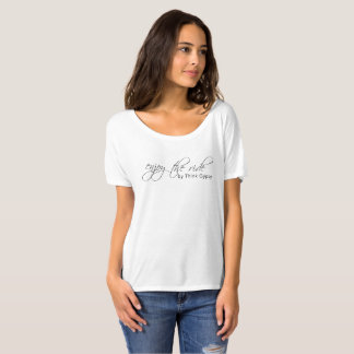 De t-shirt geniet van de witte Rit,