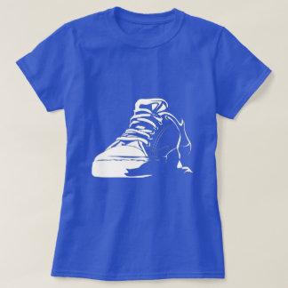 De T-shirt van de Minnaar van de tennisschoen