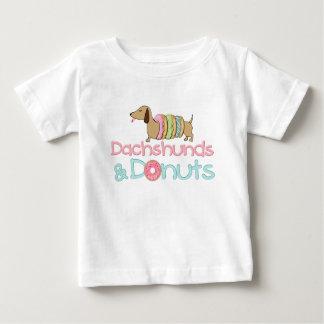 De T-shirt van de tekkel en van de Hond van het