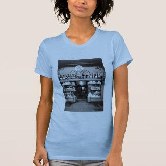 De t-shirt van de vrouwen van Fong van Fong