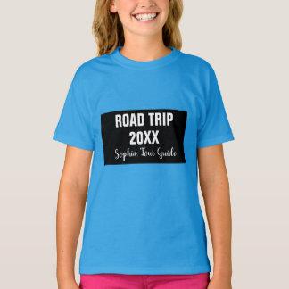 De T-shirt van het Meisje van de Reis van de Weg