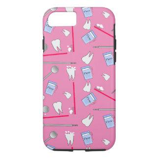 De tand Hygiënist van Hulpmiddelen en Roze Techs iPhone 8/7 Hoesje