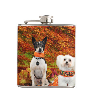 De Thanksgiving van de herfst - Fox-terrier Monty Heupfles