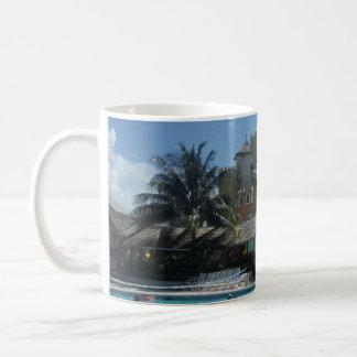 De Toevlucht van het Strand van de zonsondergang, Koffiemok
