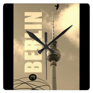 De Toren 02.F.2.4 van TV van BERLIJN Vierkante Klok