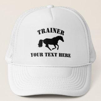 De trainer van het paard of stableyard trucker pet