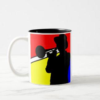 De trombonespeler van het silhouet, mondrian tweekleurige koffiemok