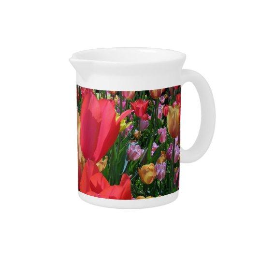 De Tulpen van de lente Drink Pitcher