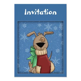 De uitnodiging van Kerstmis met grappige hond en