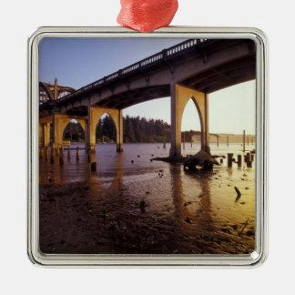 De V.S., Oregon, Florence. De Brug van Siuslaw en Zilverkleurig Vierkant Ornament