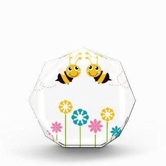 De verbazende kleine leuke t-shirts van Bijen Acryl Prijs