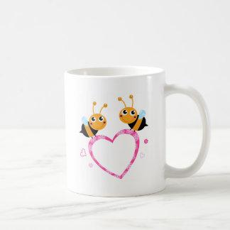 De verbazende T-shirts van de bijen van de Liefde Koffiemok