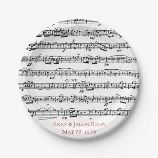 de verjaardagspartij van de bladmuziek papieren bordje