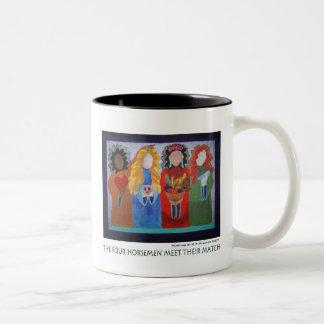 De vier Ruiters ontmoeten Hun Gelijke Tweekleurige Koffiemok