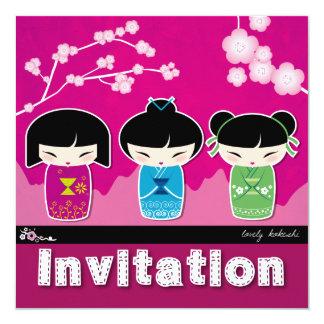 De vierkante Uitnodiging van Kokeshi