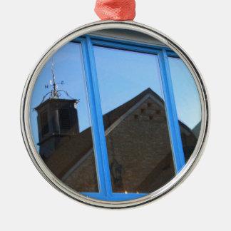 De Vin van de wind in het Venster Zilverkleurig Rond Ornament