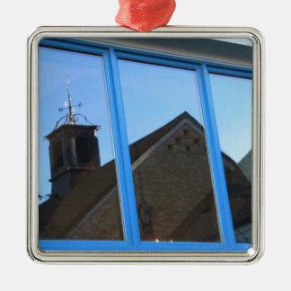De Vin van de wind in het Venster Zilverkleurig Vierkant Ornament