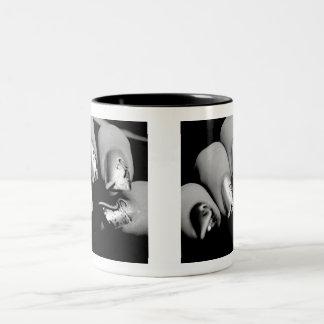 De Vingernagels van de ontwerper Tweekleurige Koffiemok