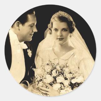 De vintage Bruid en de Bruidegom van het Huwelijk Ronde Sticker