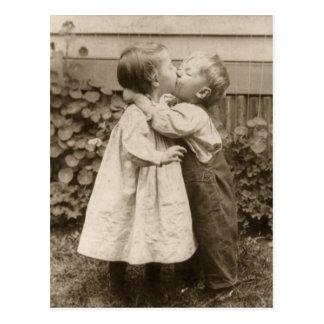 De vintage Foto van de Liefde van Kinderen die in Briefkaart