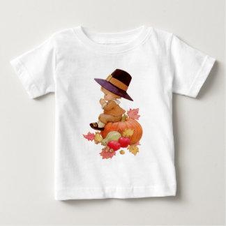 De vintage Jongen die van de Pelgrim op Pompoen Baby T Shirts