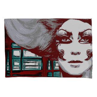 De vintage vrouw van de pop in venstersKussensloop Kussensloop