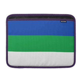 De Vlag van de Komi-Republiek MacBook Sleeve