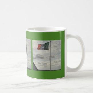 De vlag van Ierland van de vlieg overal Koffiemok