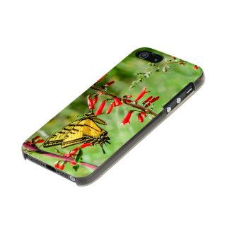 De Vlinder en Wildflowers van Swallowtail van de Incipio Feather® Shine iPhone 5 Hoesje