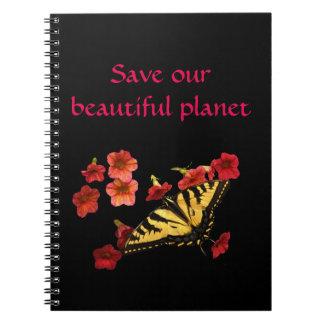 De vlinder op Bloemen bewaart Ons Notitieboekje Notitieboek