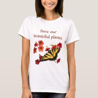 De Vlinder van Swallowtail op Bloemen bewaart Onze T Shirt