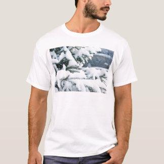 De vooravondboom van Kerstmis het sneeuwen T Shirt