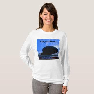 De vreemdelingen landen in Lathrop T Shirt