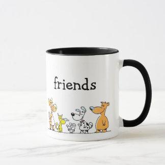 De vrienden overvallen mok