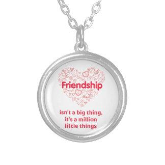 De vriendschap is miljoen ontworpen dingen leuk ketting rond hangertje