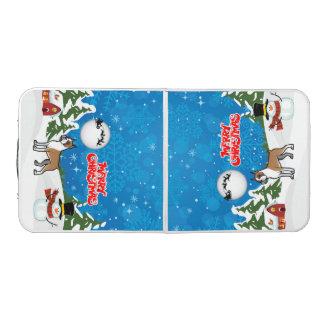 De vrolijke Bokser van Kerstmis met een Sneeuwman Beer Pong Tafel