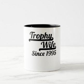 De Vrouw van de trofee sinds 1995 Tweekleurige Koffiemok