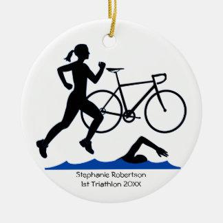 De Vrouwelijke Herinnering van Triathlon in Blauw Rond Keramisch Ornament