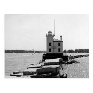 De Vuurtoren van Erie van het meer Briefkaart