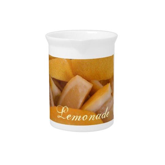 De waterkruik van de citroen drink pitcher