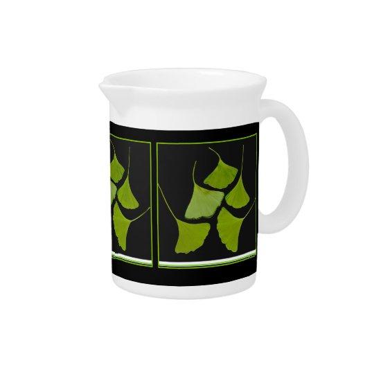 de waterkruik van gingkobladeren drink pitcher